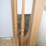 Buchentreppe mit gedrechselten Stäben